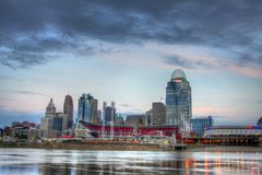Horizonte de Cincinnati Ohio, mañana, editorial Foto de archivo libre de regalías