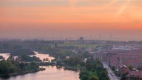 Horizonte de Copenhague, energía verde en el amanecer nebuloso Imágenes de archivo libres de regalías