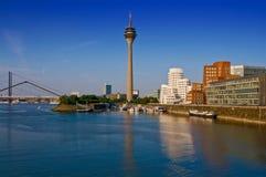 Horizonte de Düsseldorf imagen de archivo libre de regalías