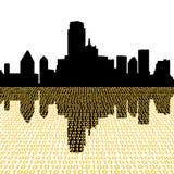 Horizonte de Dallas con el binario Fotos de archivo libres de regalías