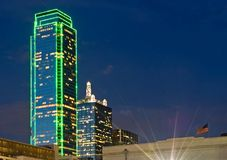 Horizonte de Dallas en la noche Imagen de archivo libre de regalías