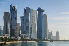 Horizonte de Doha, Qatar Imagen de archivo libre de regalías