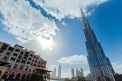 Horizonte de Dubai con Burj Khalifa Imagenes de archivo