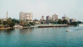 Horizonte de El Cairo en Nile River Cruise almacen de metraje de vídeo