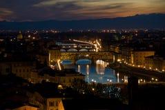 Horizonte de Florencia en la noche Imagen de archivo libre de regalías