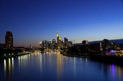 Horizonte de Frankfurt-am-Main Imágenes de archivo libres de regalías