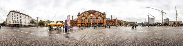 horizonte de 360 grados del cuadrado de la estación de tren de Bremen Fotografía de archivo