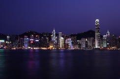 Horizonte de Hong-Kong de Night Foto de archivo libre de regalías
