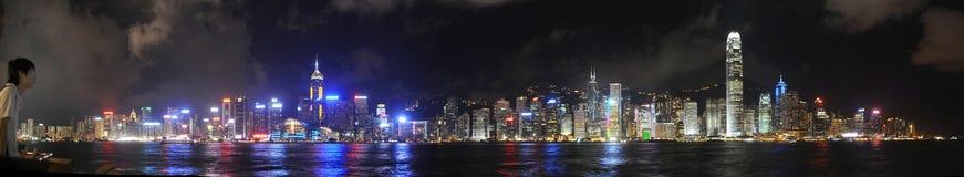 Horizonte de Hong-Kong en la noche Fotografía de archivo libre de regalías