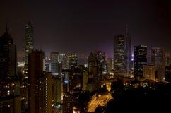 Horizonte de Hong-Kong en la noche Imagen de archivo