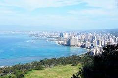 Horizonte de Honolulu -- visto de Diamond Crater Mountain Imagen de archivo libre de regalías