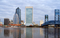 Horizonte de Jacksonville la Florida Imágenes de archivo libres de regalías