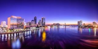 Horizonte de Jacksonville, la Florida Imágenes de archivo libres de regalías