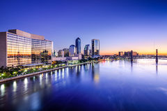 Horizonte de Jacksonville, la Florida Foto de archivo libre de regalías