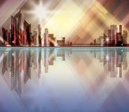 Horizonte de la ciudad con la reflexión en agua Fotografía de archivo libre de regalías