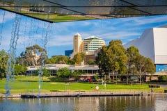 Horizonte de la ciudad de Adelaide en un día Imágenes de archivo libres de regalías