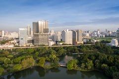 Horizonte de la ciudad de Bangkok Tailandia en el distrito financiero central Imágenes de archivo libres de regalías