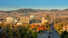 Horizonte de la ciudad de Boise Idaho en caída con el capital Foto de archivo libre de regalías