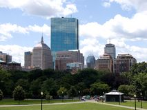 Horizonte de la ciudad de Boston del campo común foto de archivo libre de regalías