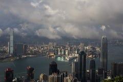Horizonte de la ciudad de Hong Kong con Victoria Harbor Imagen de archivo libre de regalías