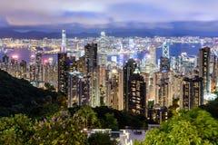 Horizonte de la ciudad de Hong Kong en la noche Fotos de archivo libres de regalías