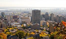 Horizonte de la ciudad de Montreal del otoño Fotos de archivo