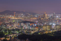 Horizonte de la ciudad de Seul, la mejor vista de la Corea del Sur en la noche Foto de archivo