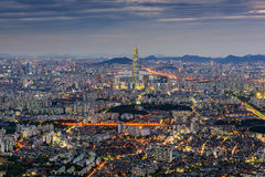 Horizonte de la ciudad de Seul, la mejor vista de la Corea del Sur en Namhansanseo Imagenes de archivo