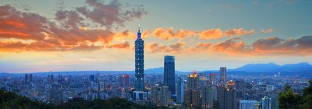 Horizonte de la ciudad de Taipei, Taiwán Foto de archivo libre de regalías
