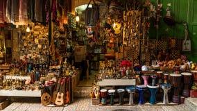 Horizonte de la ciudad vieja en la pared y la Explanada de las Mezquitas occidentales en Jerusalén, Israel foto de archivo