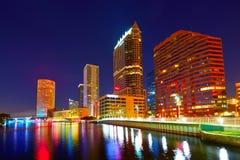Horizonte de la Florida Tampa en la puesta del sol en los E.E.U.U. Imágenes de archivo libres de regalías