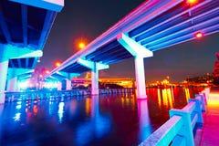 Horizonte de la Florida Tampa en la puesta del sol en los E.E.U.U. Fotos de archivo
