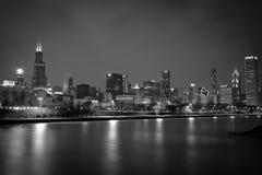 Horizonte de la noche de Chicago Noir Fotografía de archivo