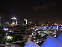 Horizonte de la noche de Miami Imagen de archivo