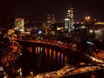 Horizonte de la noche de Vilnius Fotografía de archivo