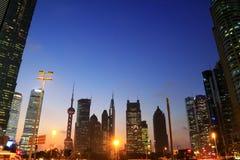 Horizonte de la noche del paisaje de la ciudad de Shangai Imagen de archivo libre de regalías