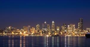 Horizonte de la noche de Seattle almacen de metraje de vídeo