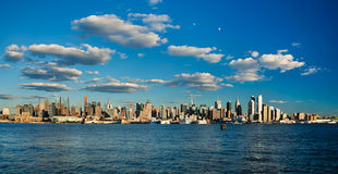 Horizonte de la parte alta de New York City Foto de archivo libre de regalías