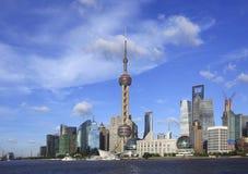 Horizonte de la señal de Shangai en el paisaje de la ciudad Imagen de archivo libre de regalías