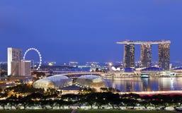 Horizonte de la tarde de Singapur Fotos de archivo libres de regalías