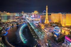 Horizonte de la tira de Las Vegas según lo visto en la noche foto de archivo