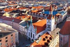 Horizonte de la visión aérea y de la ciudad en Munich, Alemania Foto de archivo libre de regalías