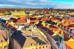 Horizonte de la visión aérea y de la ciudad en Munich, Alemania Fotos de archivo libres de regalías