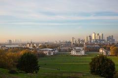 Horizonte de Londres de la colina de Greenwich Imagenes de archivo