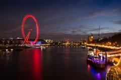 Horizonte de Londres en la oscuridad Imagen de archivo libre de regalías