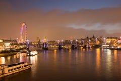 Horizonte de Londres en la oscuridad Fotografía de archivo