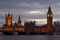 Horizonte de Londres en la puesta del sol Fotografía de archivo libre de regalías