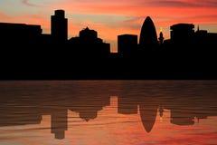 Horizonte de Londres en la puesta del sol Imágenes de archivo libres de regalías