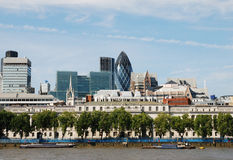 Horizonte de Londres incluyendo el pepinillo imágenes de archivo libres de regalías