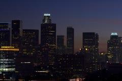 Horizonte de Los Ángeles en la oscuridad Imagenes de archivo